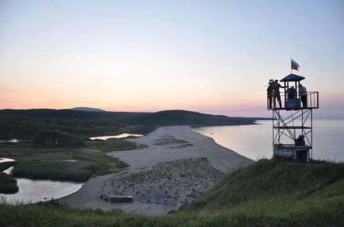 """Някои от пейзажите са спиращи дъха. """"На границата"""" е заснет отлично и озвучен с прекрасна музика."""