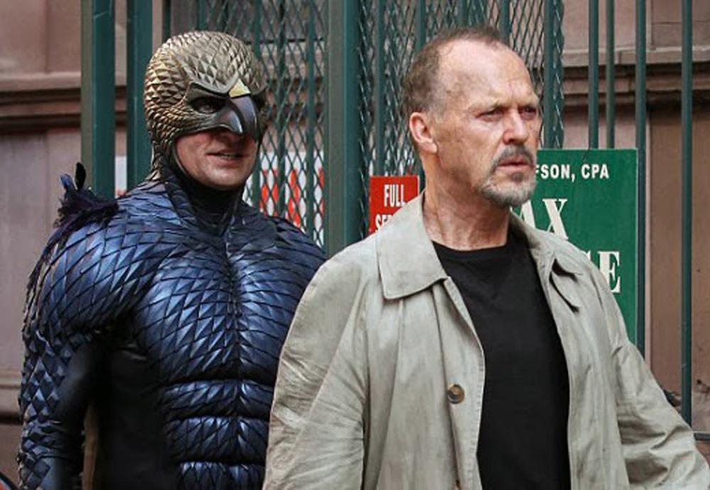 """Майкъл Кийтън в """"Бърдмен"""" - почти сигурен """"Оскар"""" за главна мъжка роля."""