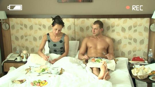Закуска в спалнята – телевизионното воайорство този сезон е в разцвета си.