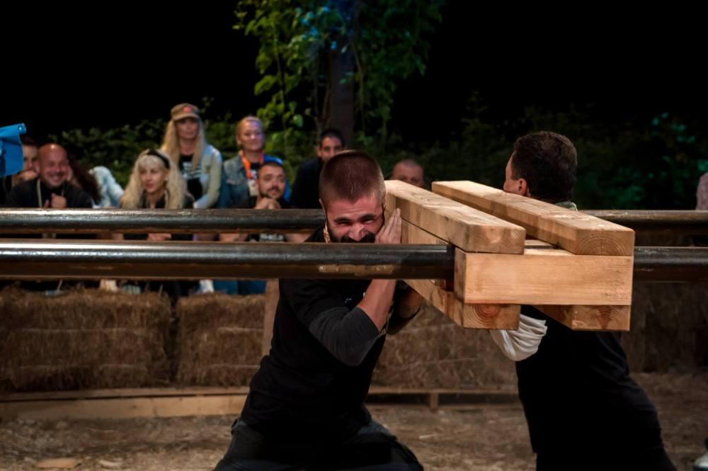 """Двубоите във """"Фермата"""" са зрелищни и поучителни за публиката, но не се случват във времето на излъчването им."""