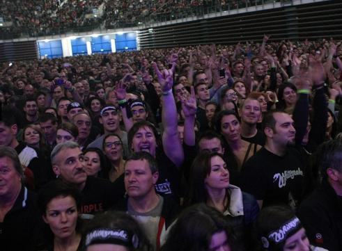 Залата беше претъпкана с хора, грейнали от възторг. Фотография: Георги Димитров/Vesti.bg