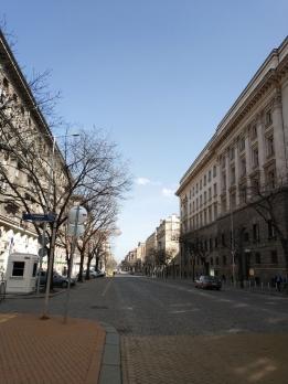 """""""Дондуков"""" - най-критикуваният от софиянци булевард, ми се стори добре направен, изключително чист и изненадващо празен в съботния следобед."""