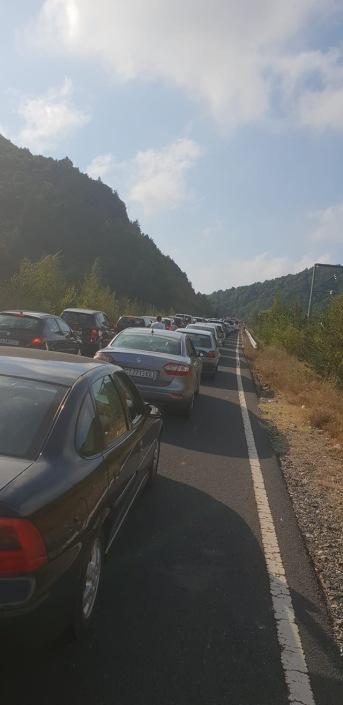 Автоколона по пътя към Гърция – все по-дълги върволици всеки уикенд, нищо че бензинът уж ни е скъп.