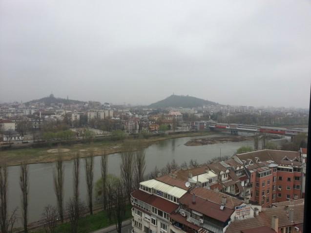 Поглед към Марица през зимата. Тук е приятно да гостуваш по всяко време на годината.