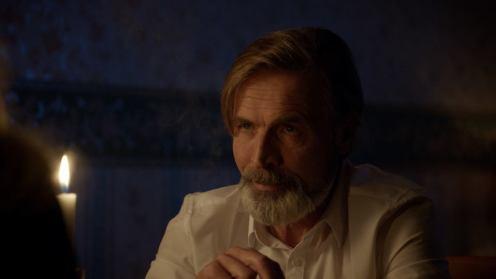 Включването на актьора с емблематичния глас Васил Бинев в ролята на мафиота Иво Фотев беше едно от попаденията на последния сезон.