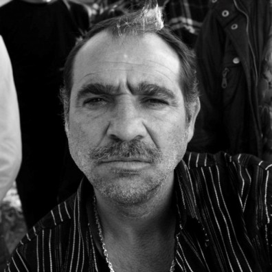 Серафим Тодоров е актьорската сензация на годината в ролята на мрачен цигански патриарх, от когото всички се страхуват.