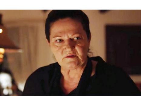 Свекървата Бонка (Галя Александрова) е карикатурно-зловещ персонаж, който вълнува не на шега зрителките пред екраните.