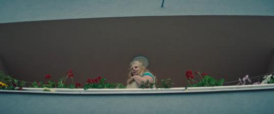 """""""Оппа…"""". Клипът на ракията """"Бургас 63"""" е сред попаденията на сезона."""