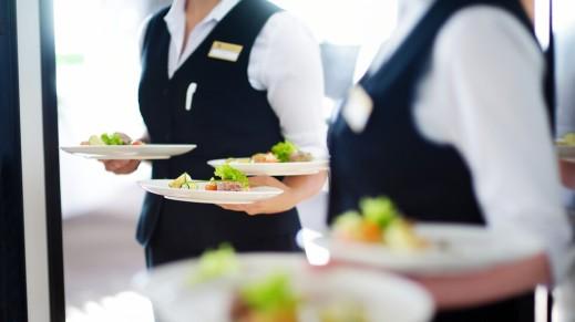 Временните данъчни облекчения за ресторантите станаха трън в очите на българите, свикнали все да гледат в чуждата паница.